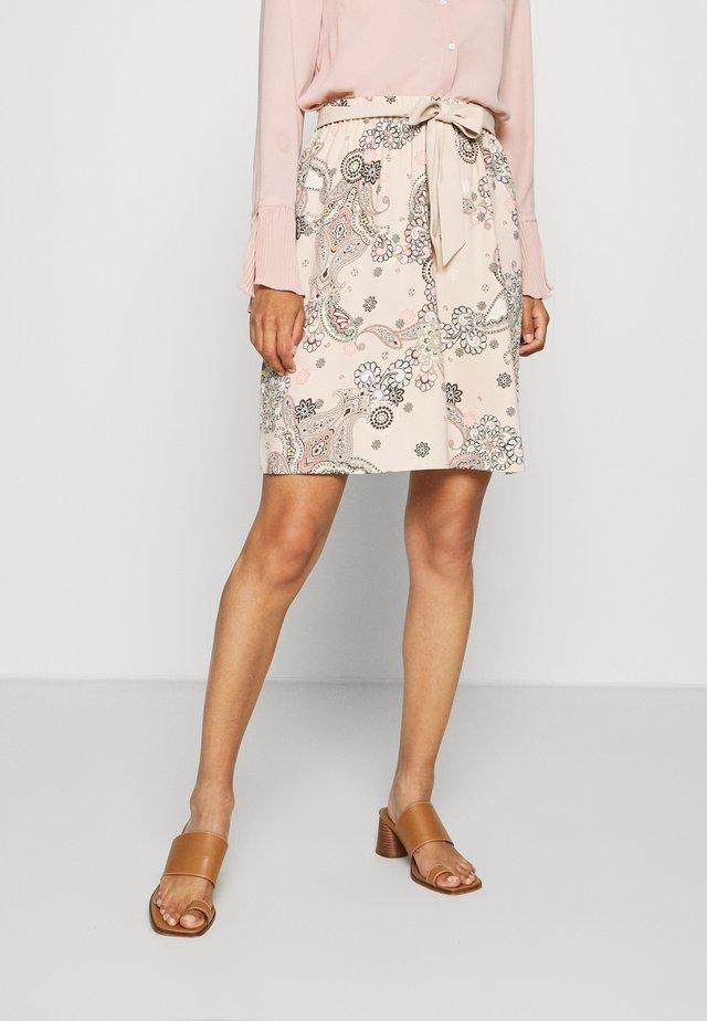 KURZ - Áčková sukně - beige