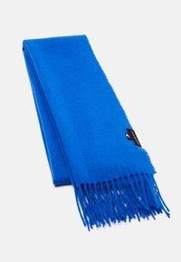 greek isle blue