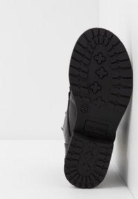 Steve Madden - JTENDER - Šněrovací kotníkové boty - black - 5
