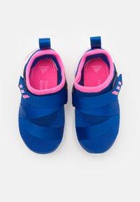 adidas Performance - FORTARUN X UNISEX - Hardloopschoenen neutraal - team royal blue/solar pink/footwear white - 3