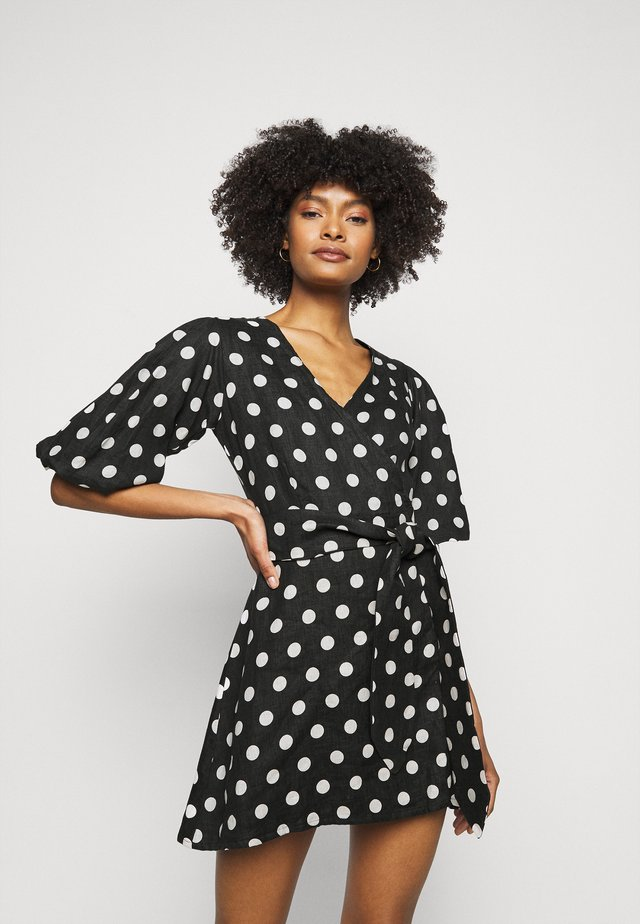 GODIVA WRAP DRESS - Denní šaty - black