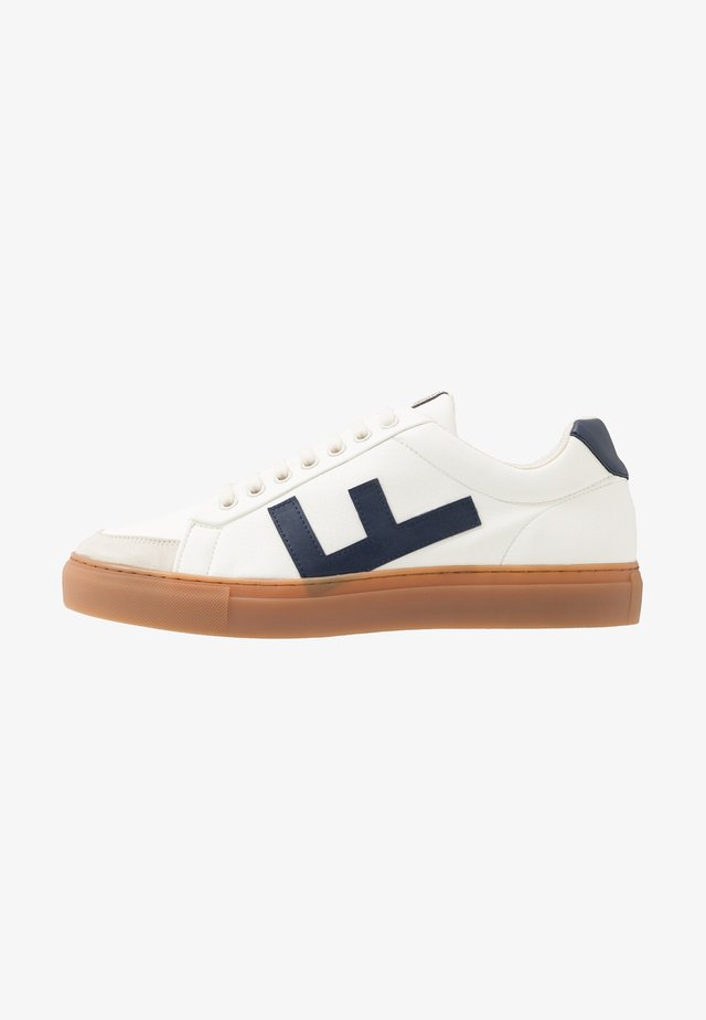 CLASSIC 70'S - Baskets basses - white/navy/caramel