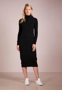pure cashmere - TURTLENECK DRESS - Maxi šaty - black - 1