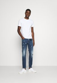 AMICCI - VERONA CARROT FIT  - Jeans Tapered Fit - dark blue - 1