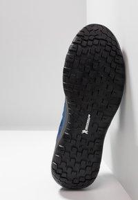Mammut - Hiking shoes - dark surf - 4