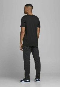 Jack & Jones - 3 PACK - T-shirt z nadrukiem - cloud dancer - 3