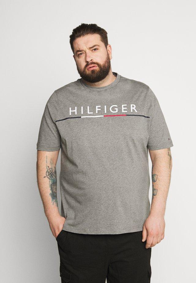 GLOBAL STRIPE TEE - Print T-shirt - grey