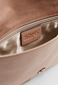 Abro - Clutch - rosa - 5