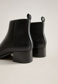 Mango - MINUTE - Classic ankle boots - schwarz - 5