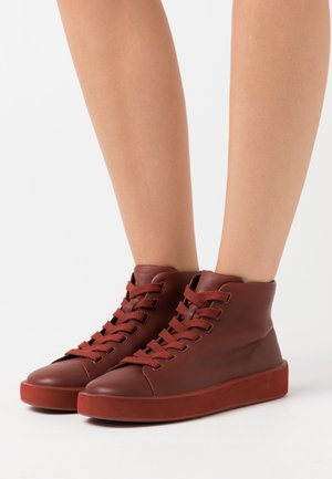 COURB - Sneaker high - medium brown