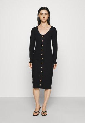 ONLNELLA BODYCON DRESS - Strikket kjole - black