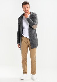 Key Largo - TERENCE HILL JACKET - Strickjacke - dark grey melange - 1
