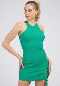 Guess - ALEXA TIE  - Shift dress - dunkelgrün - 0