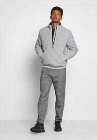 LNDR - TECH PREME TRACKPANT - Tracksuit bottoms - grey marl - 1