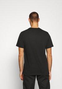 Nike Sportswear - NEW MODERN TEE - T-shirts basic - black - 2