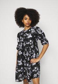 Vero Moda Petite - VMASIA DRESS  - Sukienka letnia - black - 0