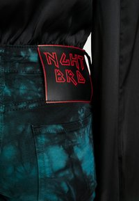 NGHTBRD - TIE DYE LOVECHILD - Jeans Skinny Fit - electric green - 4