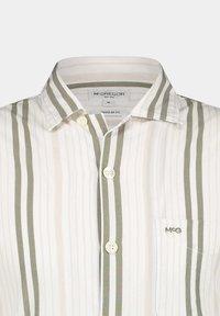McGregor - Shirt - deep lichen green - 2