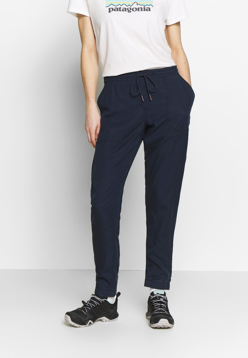 Jack Wolfskin - MOJAVE PANTS  - Trousers - midnight blue