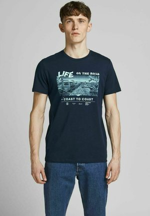 JORGOODTIMES TEE CREW NECK - Print T-shirt - navy blazer
