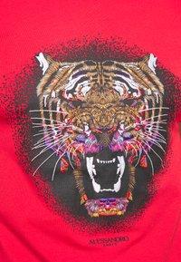 Alessandro Zavetti - GROWLER - T-shirt con stampa - red - 5