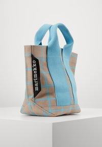 Marimekko - ILTA ISO RUUTU BAG - Sac à main - beige/turquoise - 1
