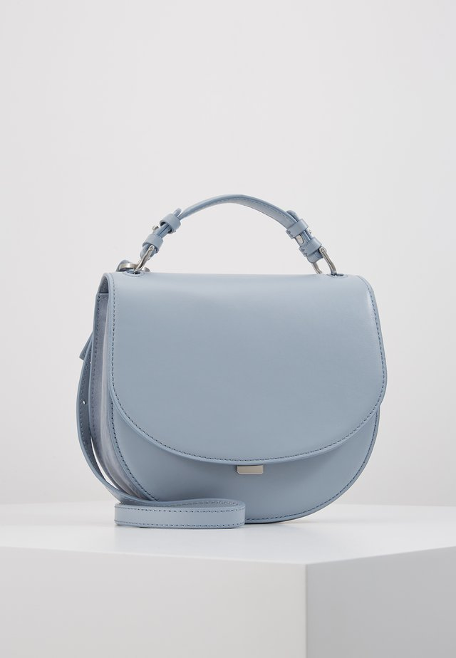 HARLEY SADDLE LEATHER BAG - Handbag - ice blue