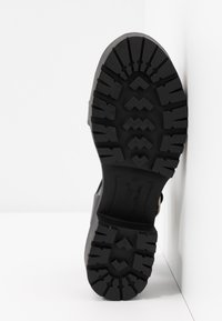 mtng - PLEXY - Sandály na platformě - black - 6
