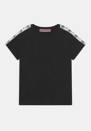 TAPE ID - Print T-shirt - black