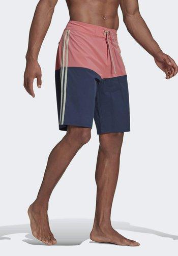 Knee-Length Colorblock Board Shorts - Swimming shorts - pink