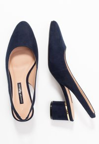 Dorothy Perkins - DOLLARCYCLINDER HEEL SLINGBACK COURT - Escarpins - navy