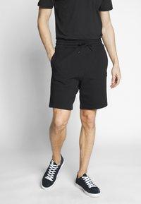 Lyle & Scott - Shorts - black - 0