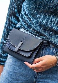 Violet Hamden - Bum bag - blau - 2