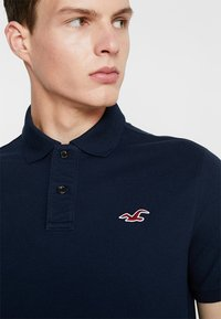 Hollister Co. - HERITAGE SLIM SOLID - Polo shirt - navy - 4
