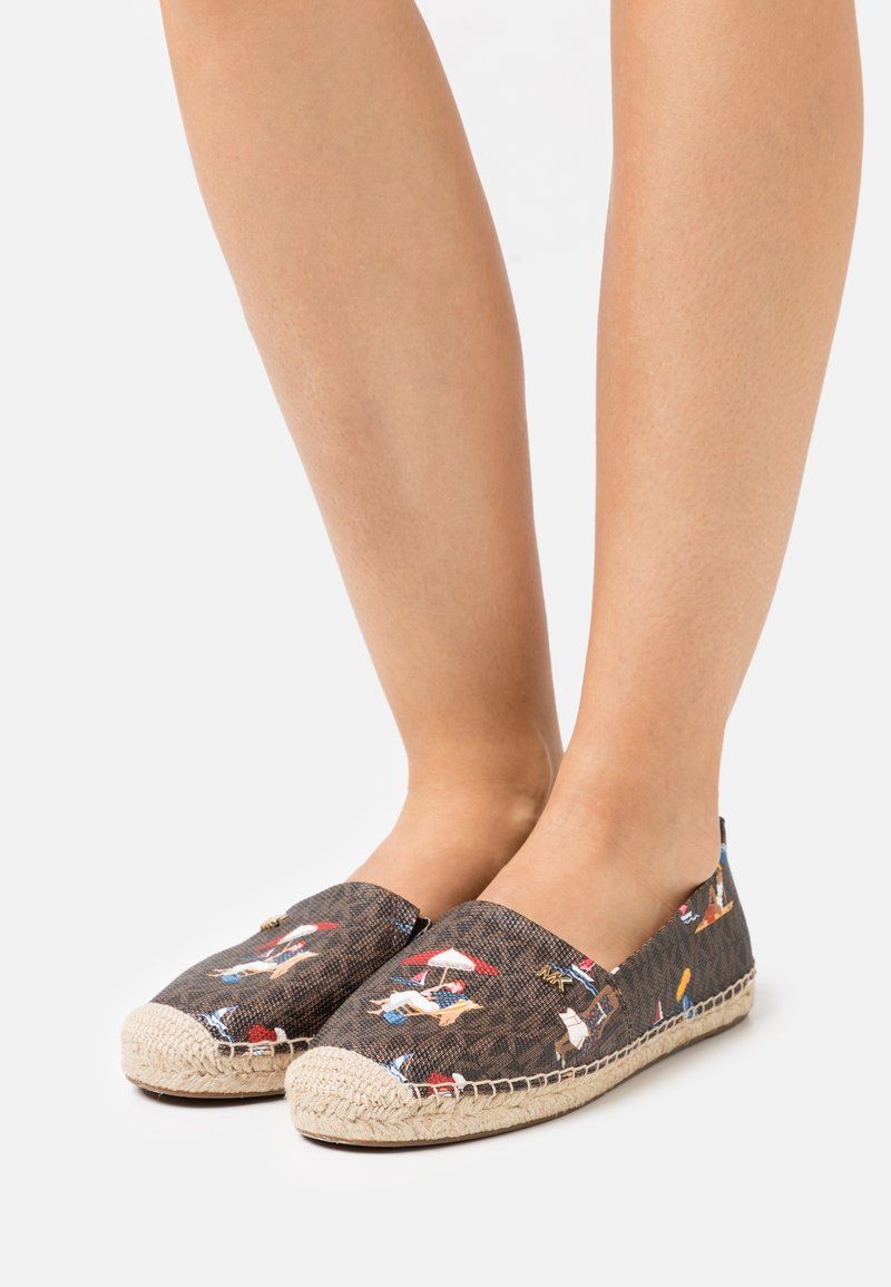 MICHAEL Michael Kors - KENDRICK SLIP ON - Espadrilles - brown