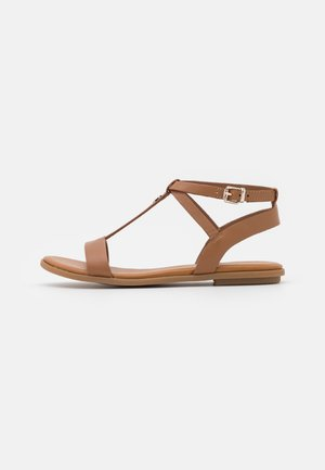 FEMININE FLAT - Sandals - summer cognac