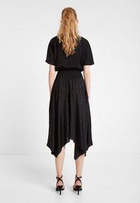 Desigual - VEST NOOSA - Korte jurk - black - 2