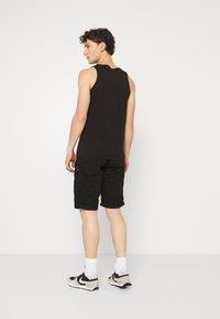 Cars Jeans - RANDOM - Shorts - black - 2