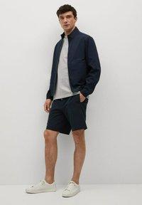 Mango - MIT REISSVERSCHLUSS - Summer jacket - dunkles marineblau - 1