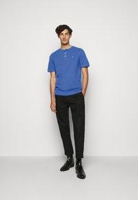 Vivienne Westwood - GRANDAD - T-shirt basique - blue - 1