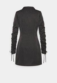 Missguided - RUCHED SLEEVE BLAZER DRESS PINSTRIPE - Kjole - black - 1
