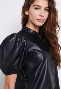 ONLY - ONLRUMA  - Blouse - black - 6