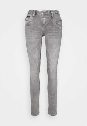 ALEXA - Slim fit jeans - foston