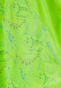 Sunnylife - DINO KIDS PONCHO UNISEX - Impermeable - dino - 3