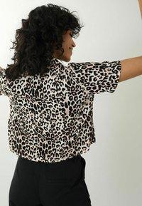Pimkie - LEOPARDENMUSTER - Button-down blouse - beige - 2