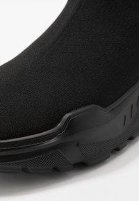 Versace Jeans Couture - Vysoké tenisky - black - 5