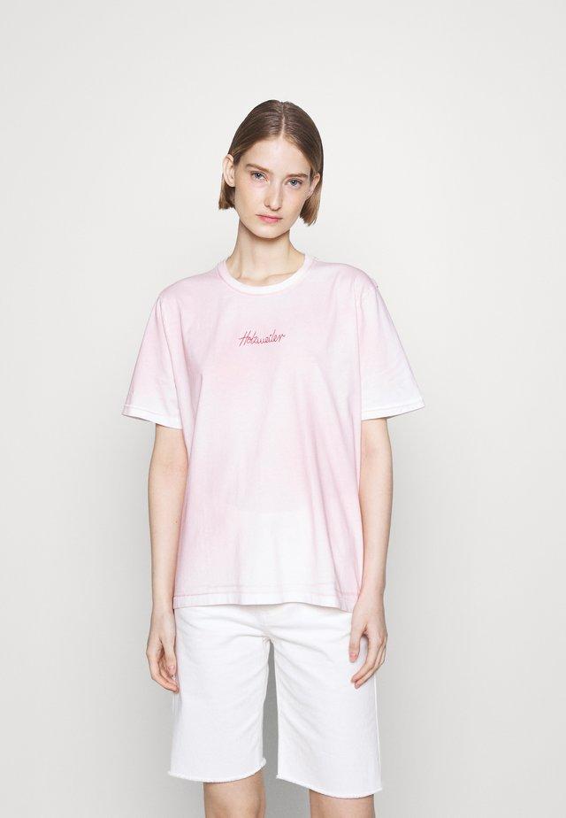 KJERAG SPRAY TEE  - T-shirt imprimé - lt. pink