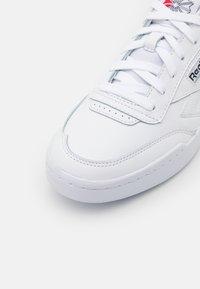 Reebok Classic - CLUB C LEGACY REVENGE UNISEX - Trainers - footwear white/core black - 5