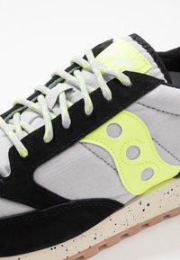 Saucony - JAZZ ORIGINAL OUTDOOR - Sneaker low - black/slime - 5