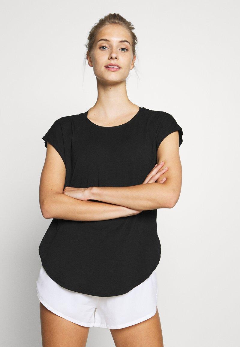 Cotton On Body - ACTIVE SCOOP HEM - Camiseta de deporte - black